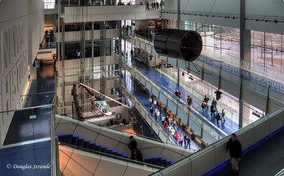 Overview of the Newseum lobby