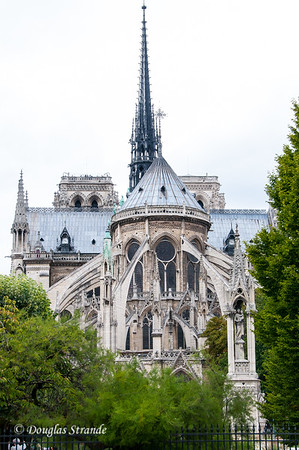 Notre Dame exterior with flying buttresses