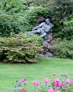 Statues & Flowers adorn the vast Luxembourg Garden
