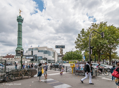 The tower with Wiinged Liberty marks the location of the infamous Bastille prison.