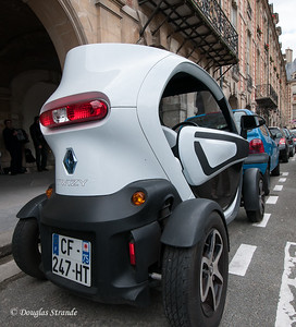 The Twizy is easy to park!