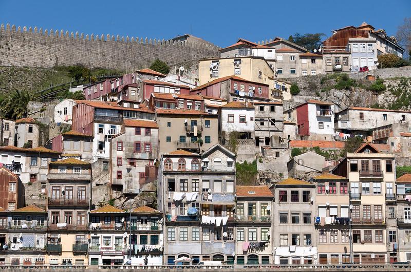 Sat 3/19 On the Douro River: Porto hillside houses