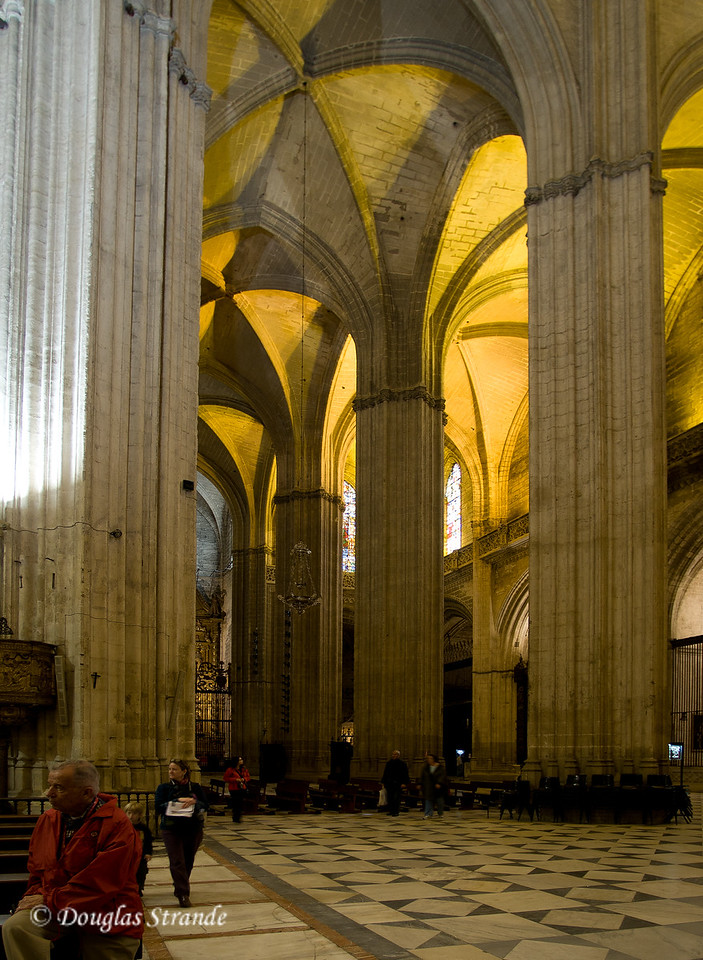 Tue 3/15 in Seville: Columns and arches in the Cathedral of Seville