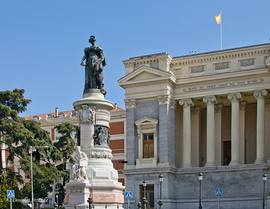 Sun 3/06 in Madrid: Outside the Prado