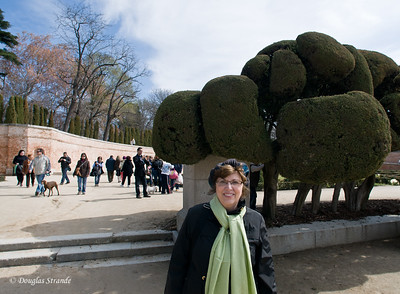 Sun 3/06 in Madrid: Louise in Retiro park