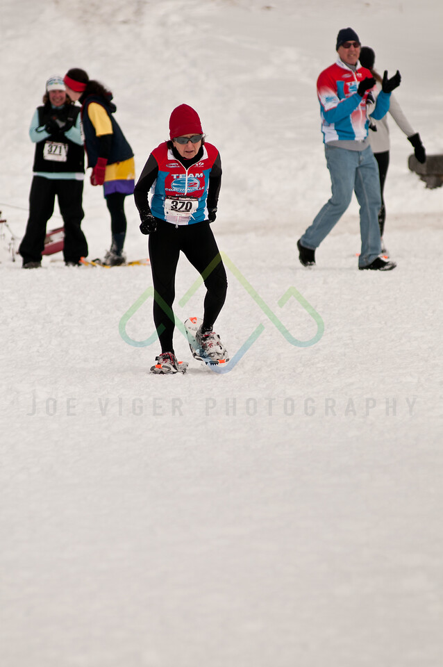sidehiller snowshoe race3-176