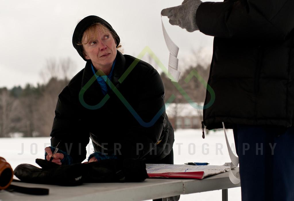 sidehiller snowshoe race3-210
