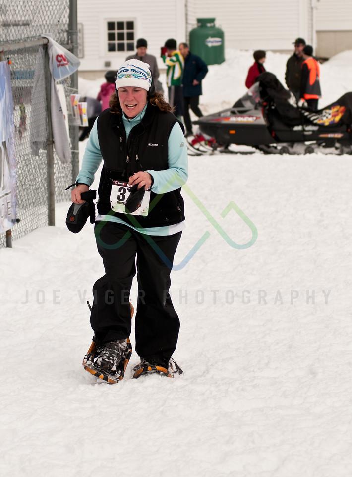 sidehiller snowshoe race3-111
