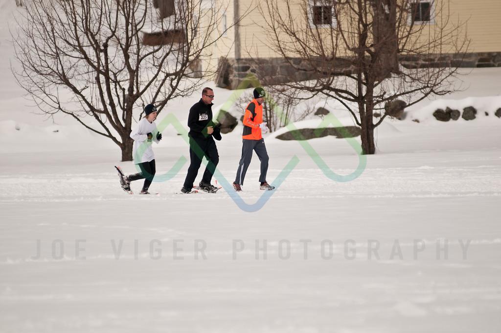 sidehiller snowshoe race3-145