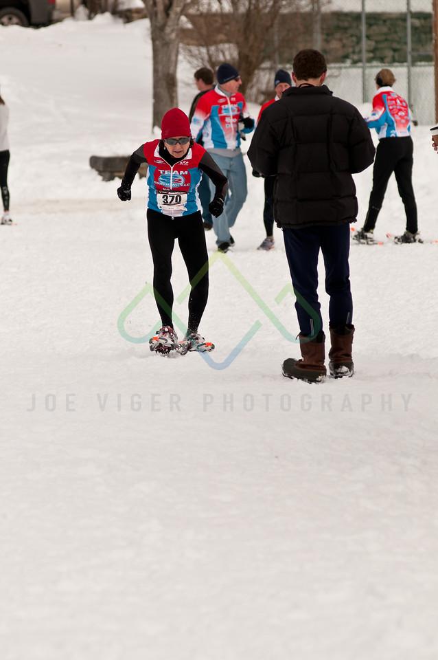 sidehiller snowshoe race3-178