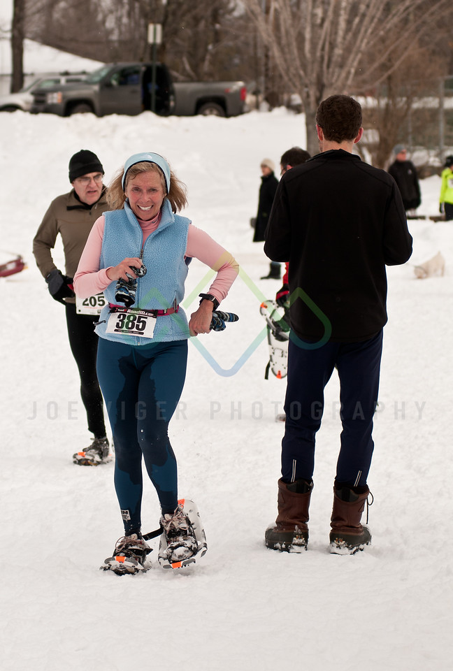 sidehiller snowshoe race3-100