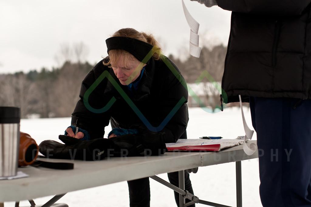 sidehiller snowshoe race3-209