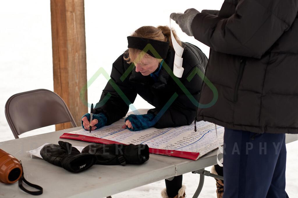 sidehiller snowshoe race3-207