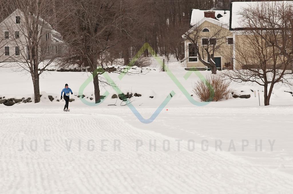 sidehiller snowshoe race3-121