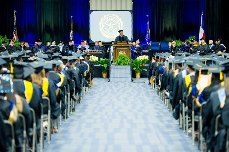 16230-fall graduation -3984