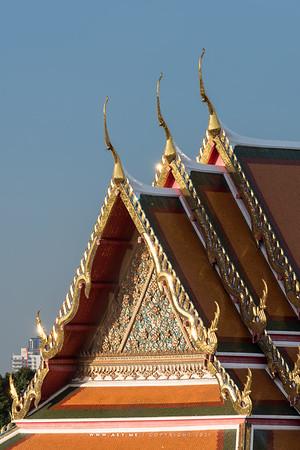 Wat Pho (Wat Phra Chetuphon) view from Riva Arun
