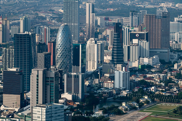 Pearl Bangkok & Bangkok Cityscape view from Baiyoke Sky Hotel