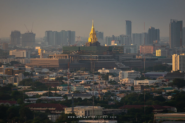 Sappaya-Sapasathan and Cityscape of Bangkok view from Samyan MitrTown