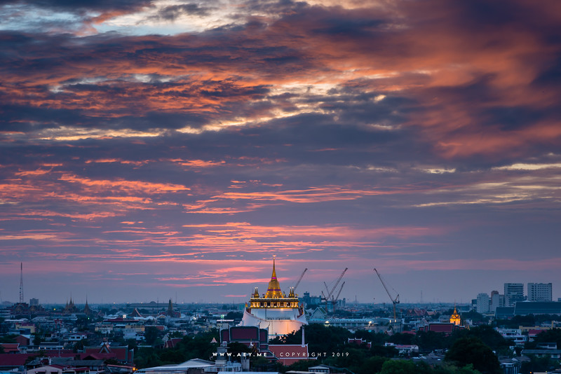 Sunset at Phra Borom Bunpot