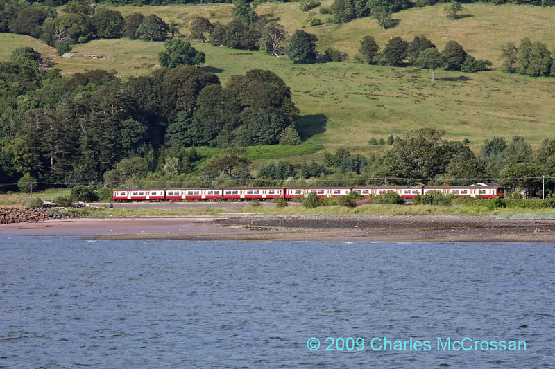 6 car 318 set forming the 17:20 Glasgow Central to Largs