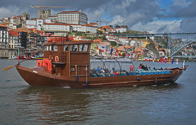 Rabelo tourist boat