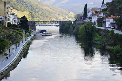 Rio Pinhao (Pinhao River where it meets the Douro River)