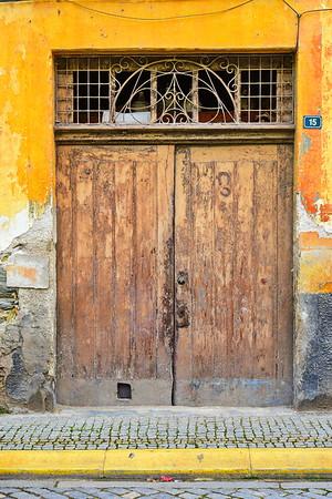 04142018_Pinhao-Portugal_Yellow-door_Horseshoes_750_6501