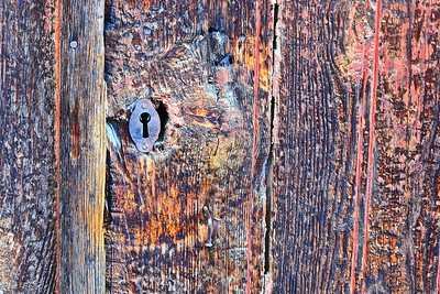 04142018_Pinhao-Portugal_Rough-Door&Lock_750_6485