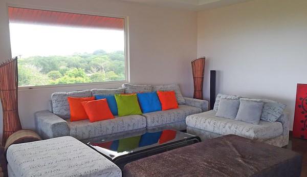 Villa Serena Lounge Area