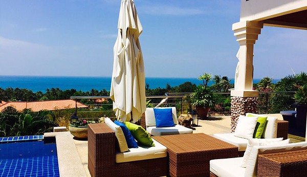 Villa Serena Pool and Seaviews