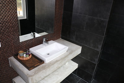 Loris Two Bedroom Seafront Villa bathroom, East Coast, Ko Lanta