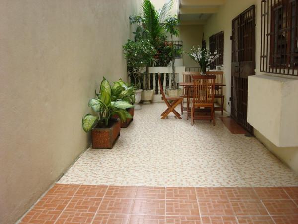 Terrace - Villa meublée climatisée avec la connexion internet haut débit 70 Euros par jour - 46000 F CFA par jour