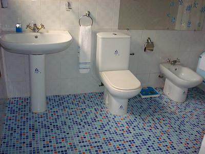 Salle de bain - Villa meublée climatisée avec la connexion internet haut débit 70 Euros par jour - 46000 F CFA par jour