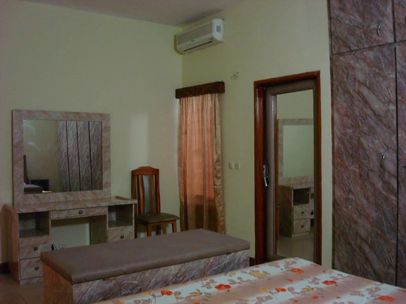 Chambre suite - Villa meublée climatisée avec la connexion internet haut débit 70 Euros par jour - 46000 F CFA par jour