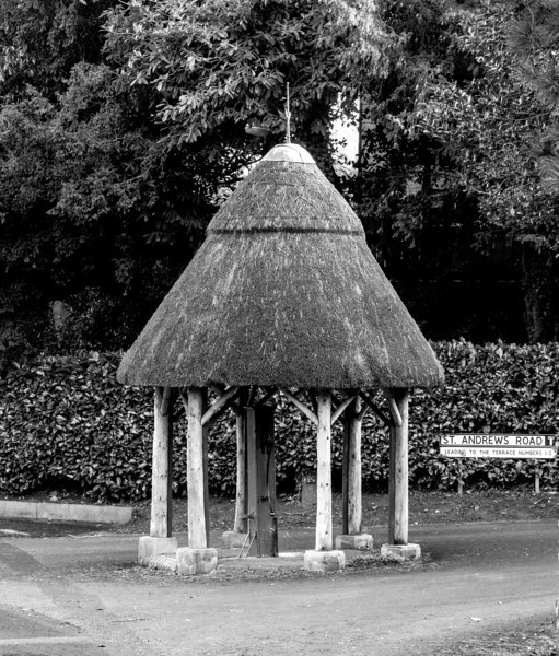 Thatched Village pump,  Main Street,  East Haddon