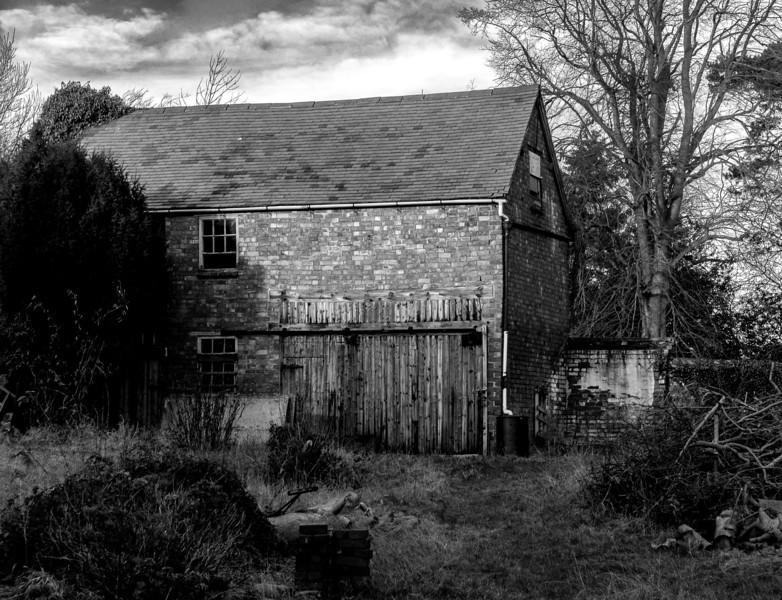 Derelict out building,  Main Street,  East Haddon