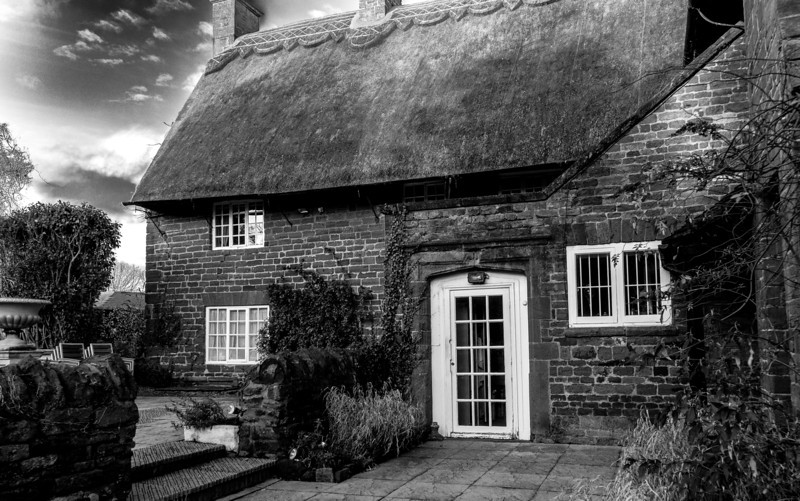 Cottage with thatched roof,  East Haddon