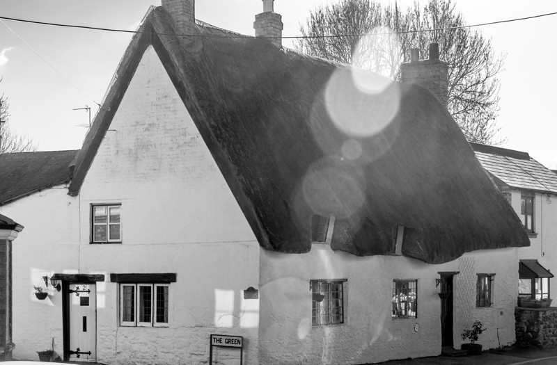 1 The Green, Flore, Northamptonshire