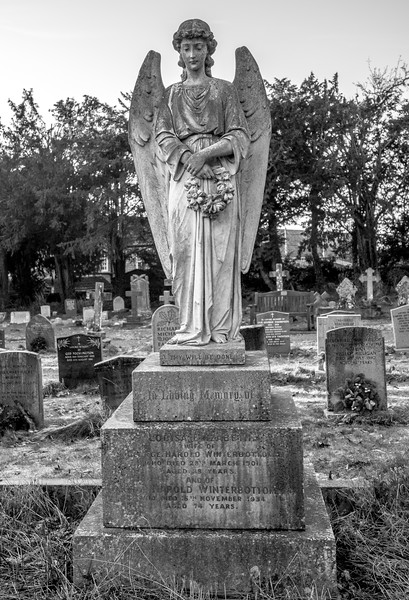 Weeping Angel, Louise Elizabeth Winterbottom, Churchyard, Church of Saint Mary Magdalene, Horton, Northamptonshire