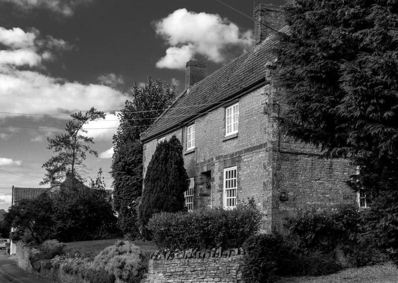 Cottage, Forest Road, Piddington, Northamptonshire