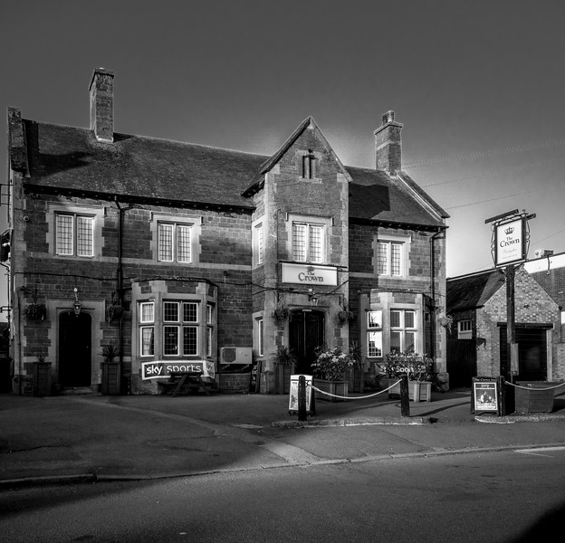 The Crown, High Street, Hardingstone