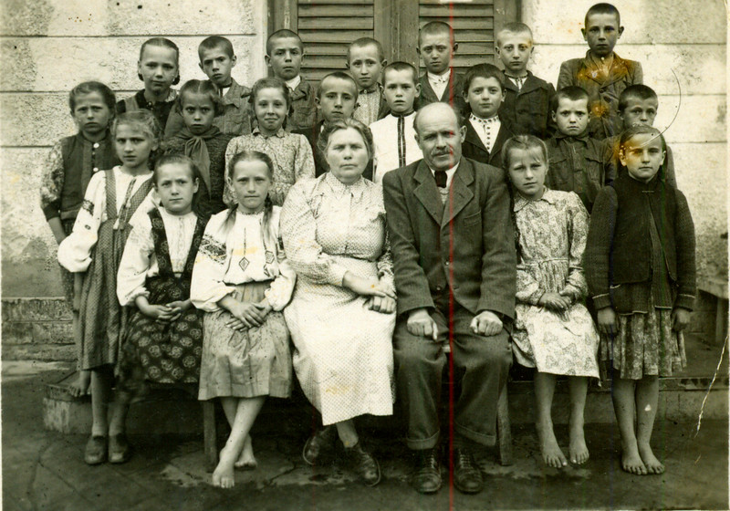 Торське. 1946-47 рр. Учні семерічна школа
