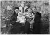 Торське: Ольга Стасюк,  М. і Михайло Стасюки з дітьми Ольги та Василя Стасюків.  Старша - Анна, молодша -Марія
