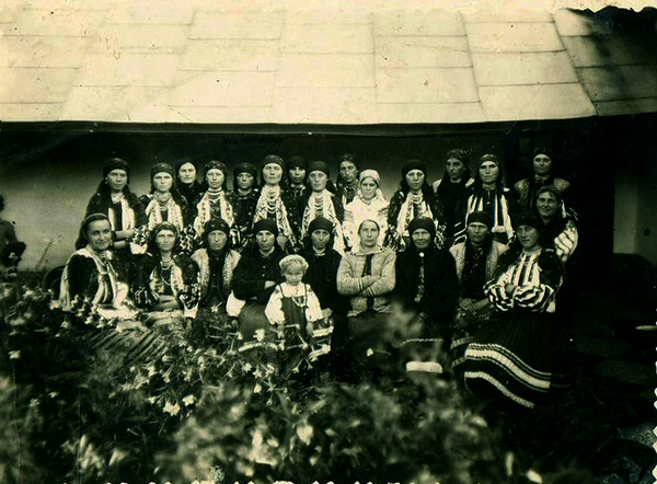 1938. Торське. Жінки села Торське