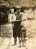 Склярчук з дітьми, на руках Марія, стоїть Оля