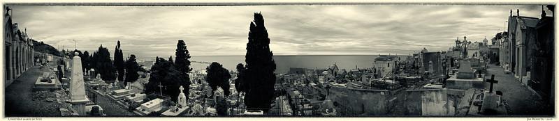 Le cimetière marin perché sur le Mont-Saint-Clair, écrasé de soleil, domine la Méditerranée et la ville de Sète. Il a été créé vers 1680 afin d'y ensevelir les premiers travailleurs employés à la construction du môle Saint-Louis. Le cimetière a d'abord porté le nom de Cimetière Saint-Charles et a reçu le nom de Cimetière marin le 7 août 1945.