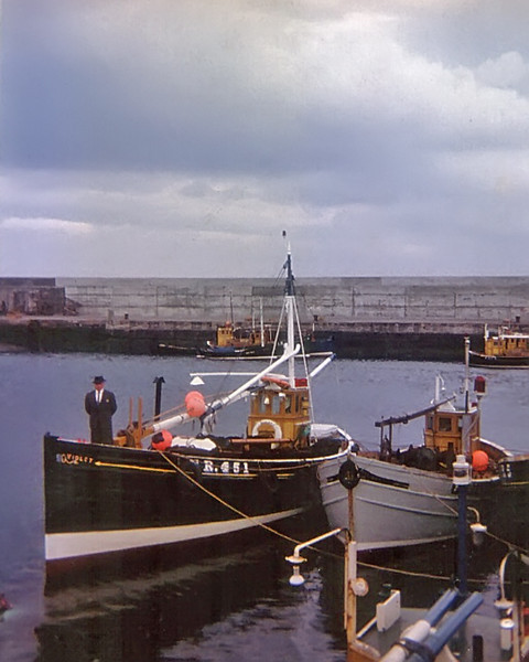 William Stephen at Harbour on Violet FR451_E1