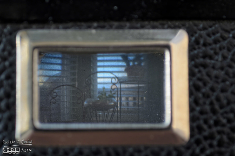 The side viewfinder, for landscape photos.