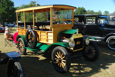 1914 Ford Depot Hack (Station Wagon)