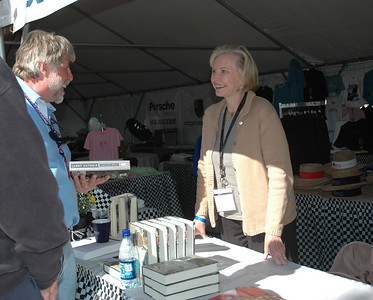 Janet signing her book at Savannah Historics